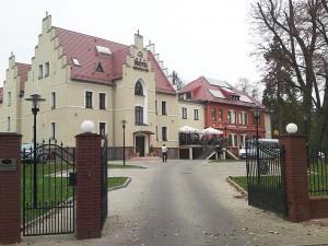 Stary szpital w Niemczy przerobiony na hotel. Inwestycja dofinansowana ze środków UE