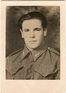 5. Najstarszy z rodzeństawa Janek jako żołnierz gen. Andersa