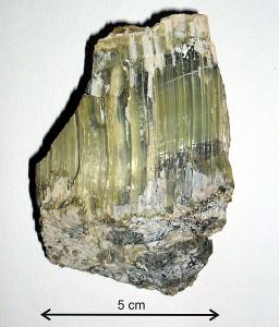 Minerał z grupy serpentynów. Wiry k. Sobótki