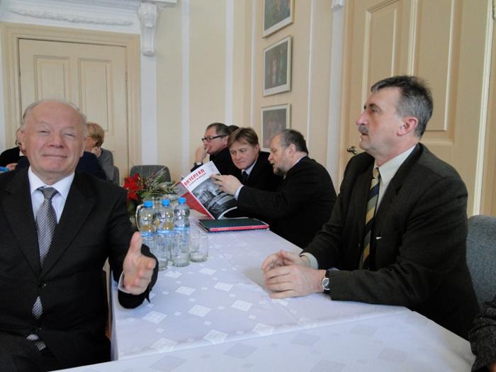Starosta Jeleniogórski Jacek Włodyga i goście z Czech. Foto: Krzysztof Tęcza